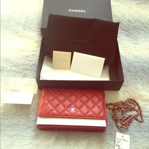 Caviar Red Chanel WOC